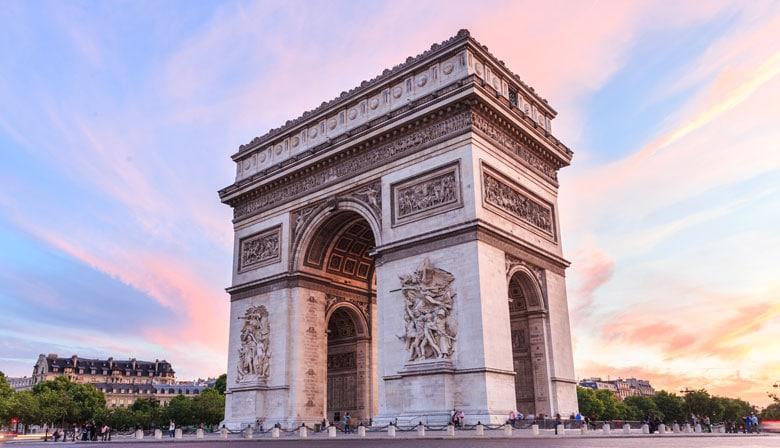 Enjoy the views of L' Arc de Triomphe