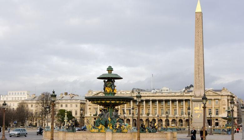 Visite a Place de la Concorde com o Big Bus