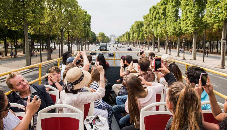 Descubra Paris a bordo do Big Bus