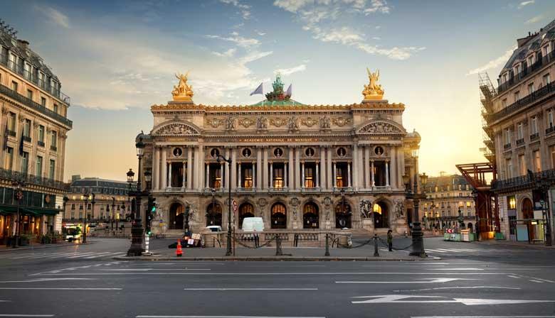 Aproveite as vistas da Ópera Garnier de Paris