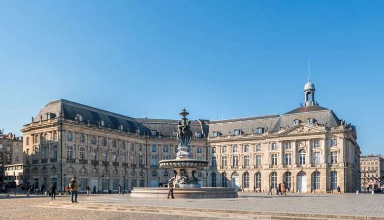 Guided Tour of Bordeaux and Saint Emilion with Wine Tasting from Bordeaux