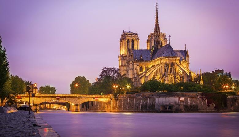巴黎圣母院,晚上