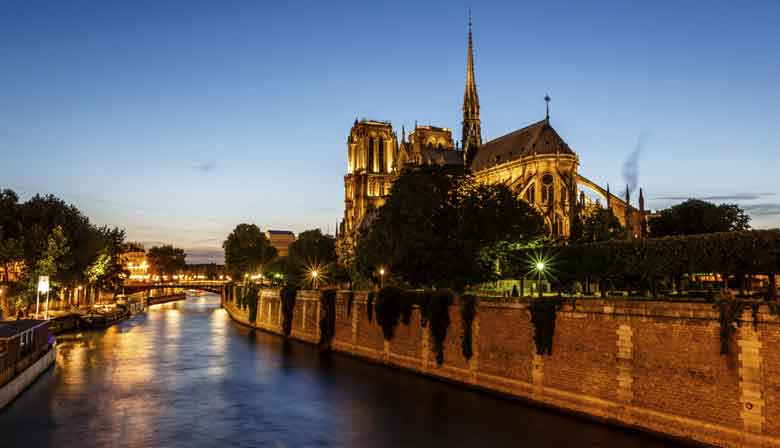 Dinner Cruise on the Seine and view of Notre Dame