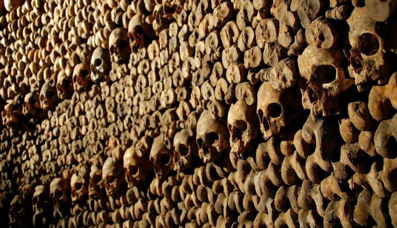 Catacombs tour in Paris