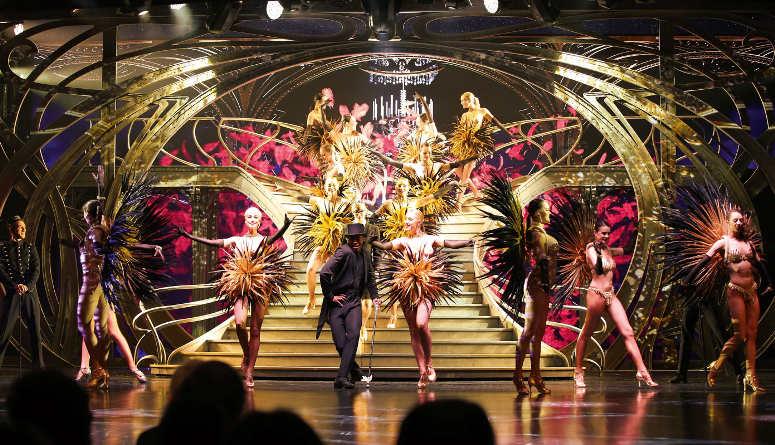 Asombroso bailarianas del Lido show