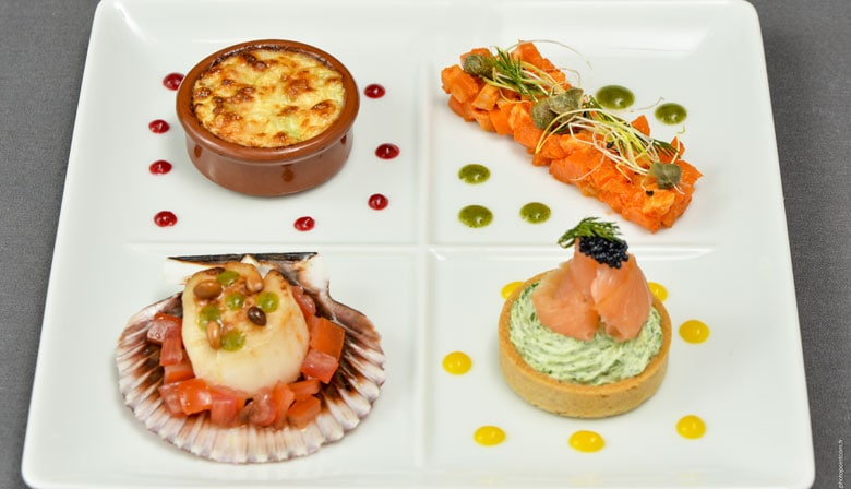 Dinner cruise at La Marina