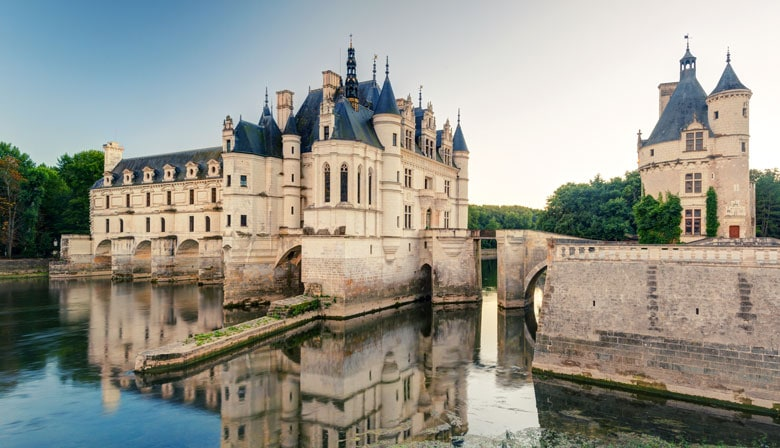 Guided day trip to Chenonceau castle
