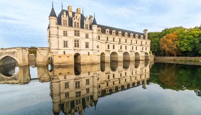 Castelo de Chenonceau no rio Cher