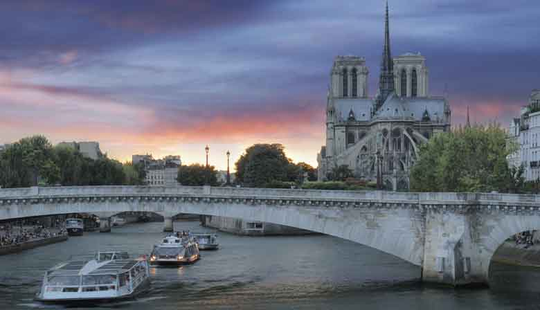 Notre Dame cathedral and the Seine river