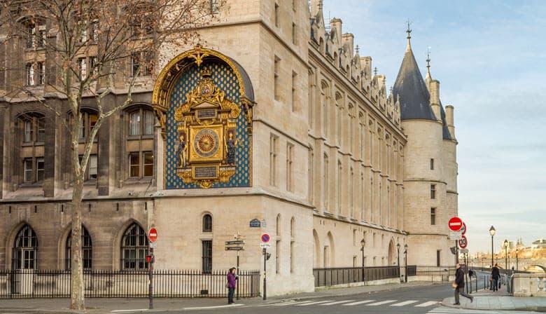 Audio Guided tour around the Palais de la Cité by Lorànt Deutsch