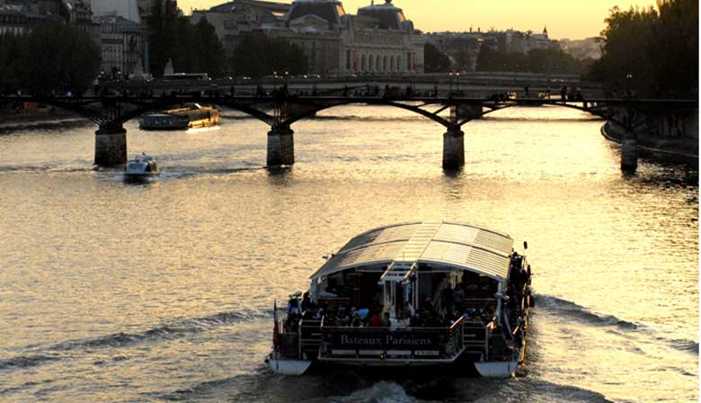 Visit Paris at the sunset on the Seine