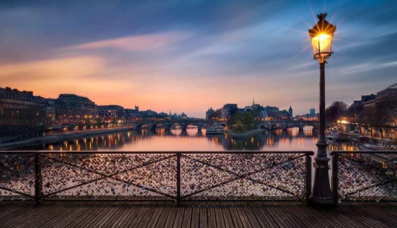 Pont des arts vue de la Seine