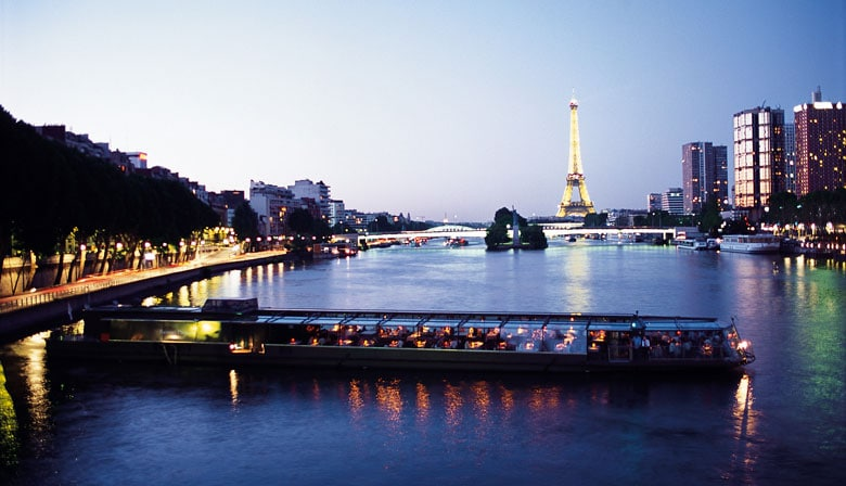 Dinner cruise at the Bateaux Parisiens with the Eiffel Tower illuminated