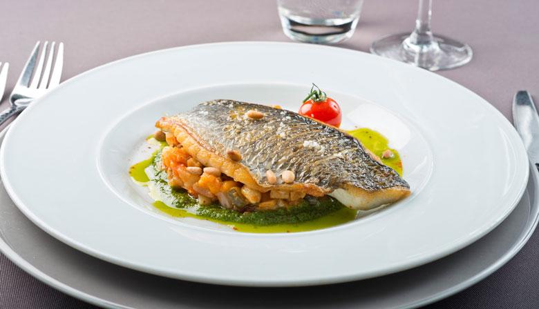 バトー·パリジャンでのロマンチックなディナー
