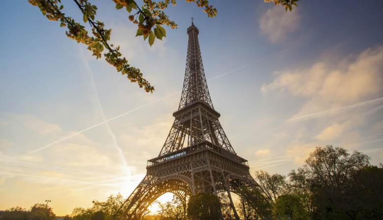 Visita à Torre Eiffel no por do sol