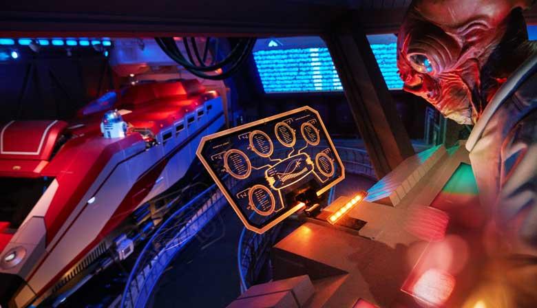 Interior de un buque en Disneyland París