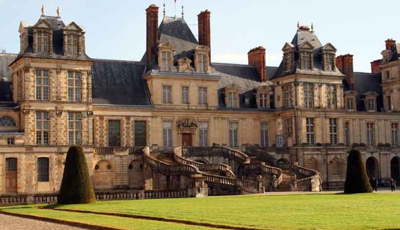 Entdecken Sie das Schloss Fontainebleau in ihrem eigenen Tempo