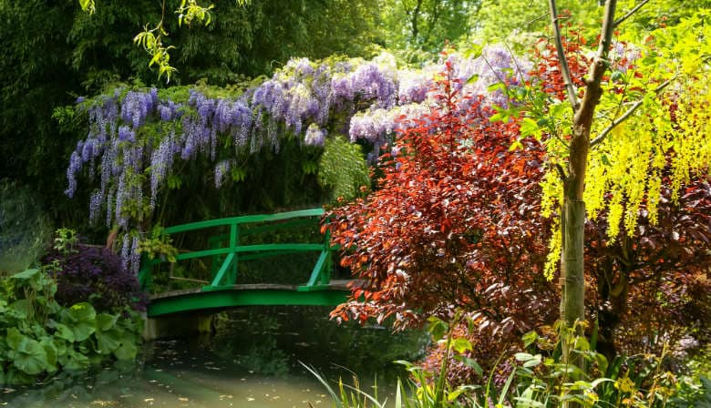 Japanese bridge in the Giverny garden