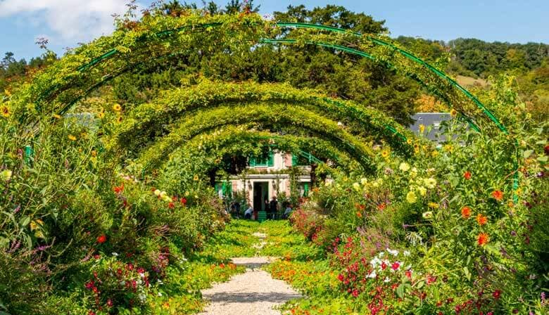 Beautiful gardens of Giverny
