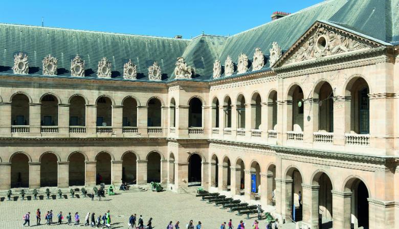 Visitez l'Hôtel des Invalides