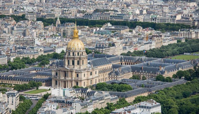 Vista sobre os Invalides em Paris