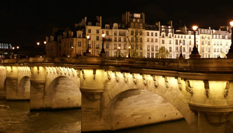 Iluminated bridge over the Seine river at night