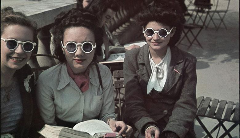Women in Paris during Paris Occupation