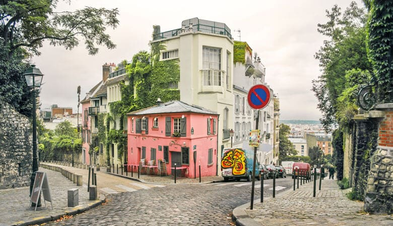 Discover Montmartre District
