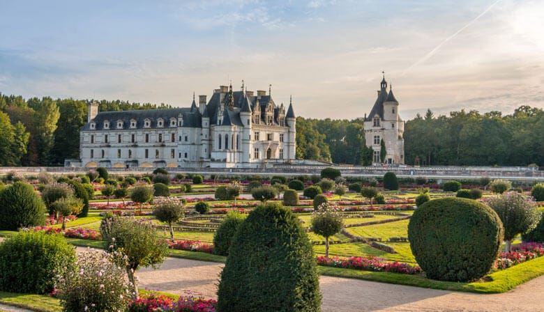 Visit Chenonceau Castle with a guide