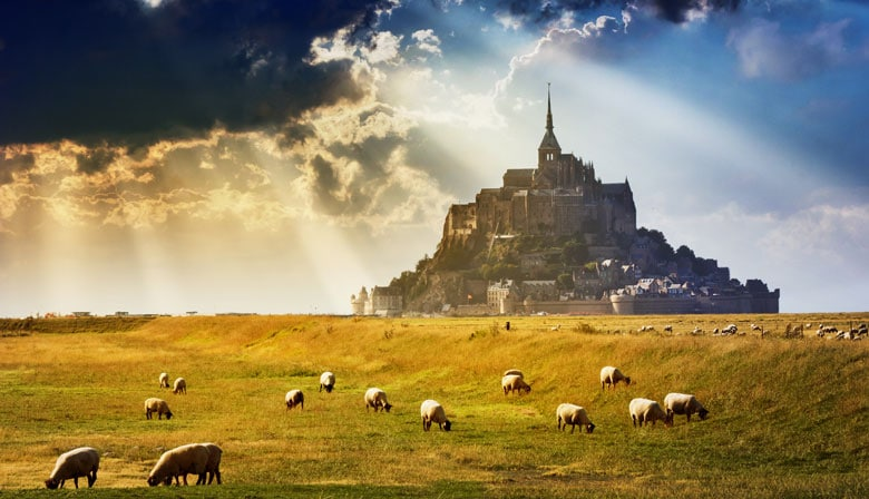 Visit Mont Saint Michel, site classified world heritage UNESCO