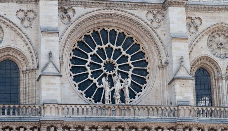 Rosa da fachada da Catedral de Notre Dame