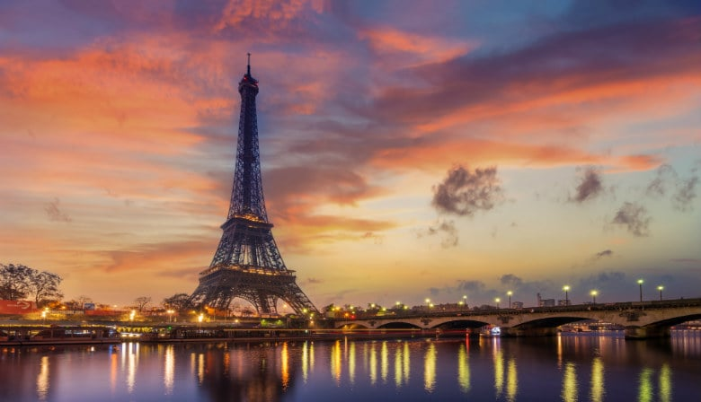 Twilight view of the Eiffel Tower