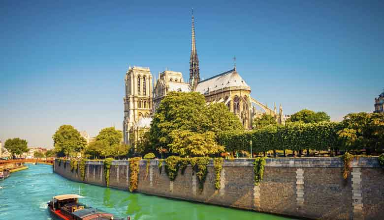 Notre Dame and the Seine river