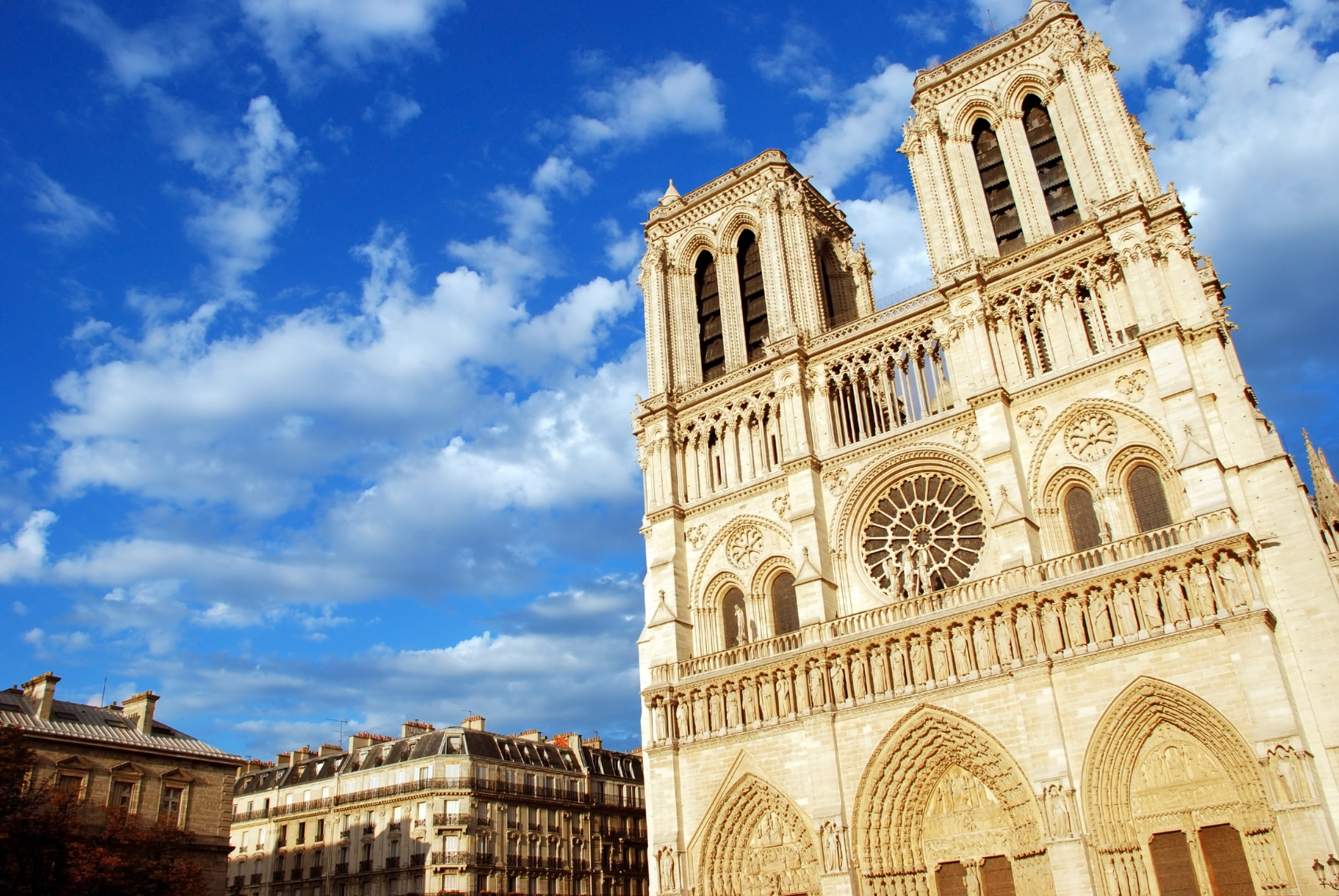 Hop on Hop off bus and Notre Dame cathedral