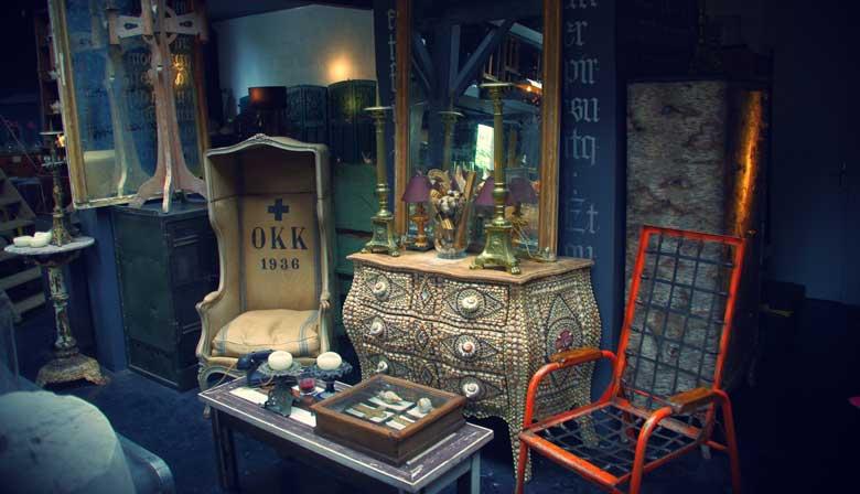 Go for hidden treasures in Paris Flea market