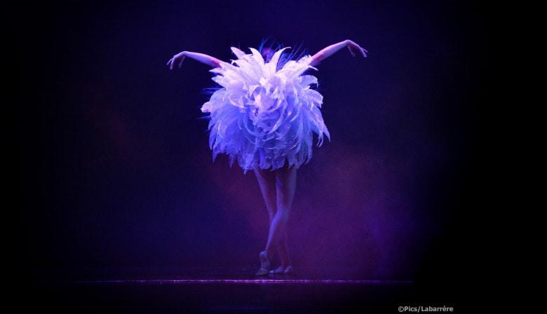 Dançarina magnífica sobre o show Lido