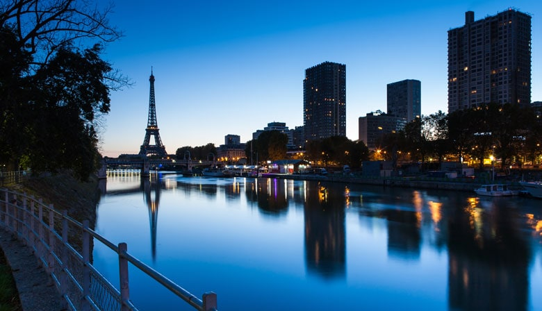 Seine river and Eiffel Tower at night