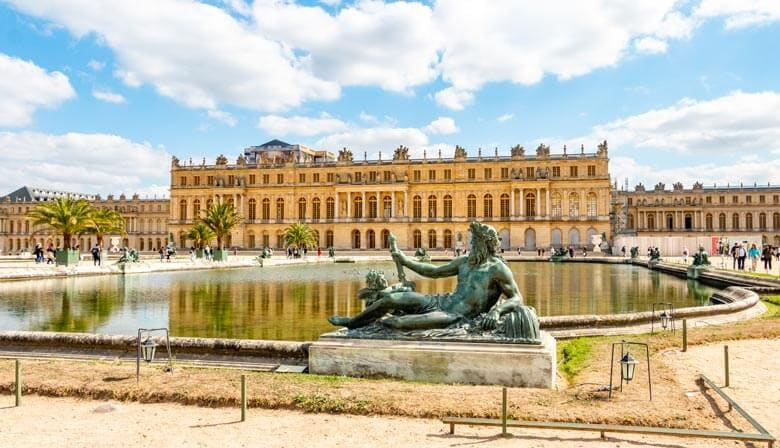 Guided Tour of the Palace of Versailles with Priority Access from Versailles