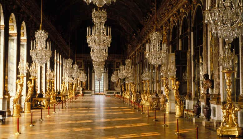 Full Day Guided Tour of the Palace of Versailles from Disneyland Paris in a Small Group