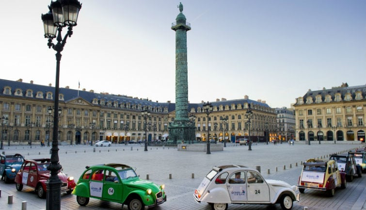 Private tour in vintage 2CV : Paris Highlights  1h30