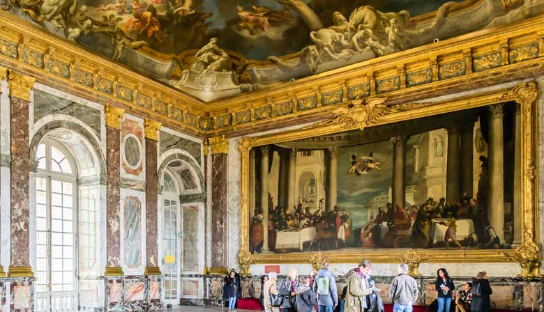 Visit the state appartments of Versailles
