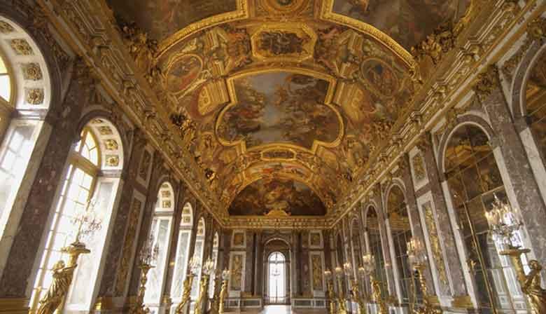 ベルサイユ宮殿の鏡のホール