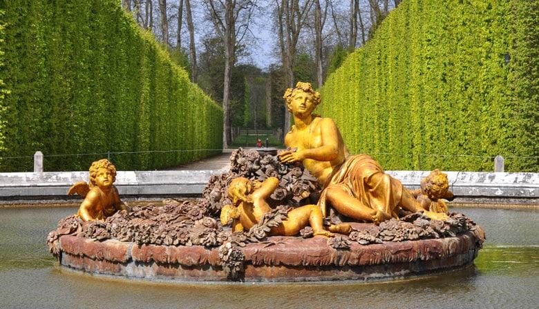 One fountain hidden in the gardens