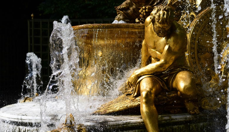 Discover the musical fountains in the gardens of Versailles