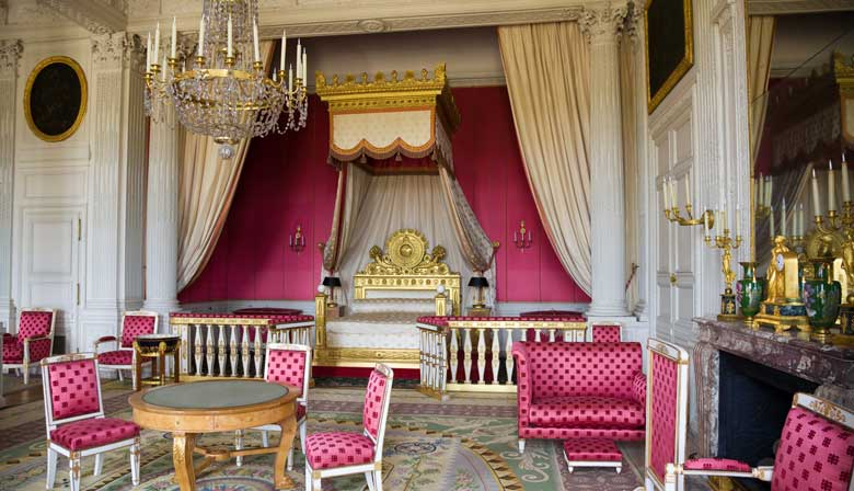 Visit the apartments of the Palace of Versailles