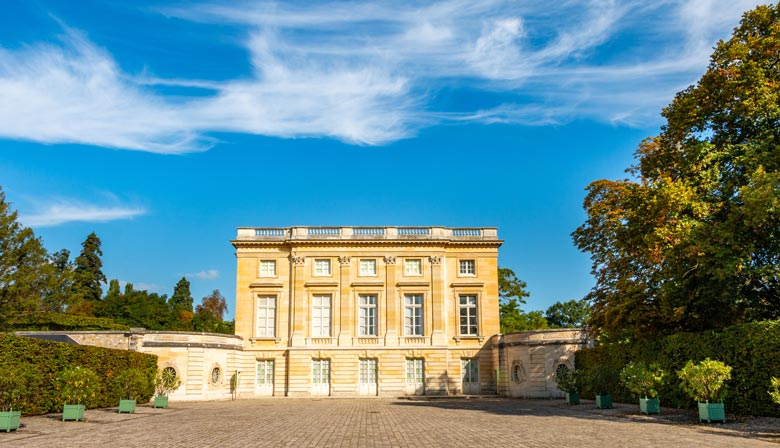 Guided visit of the petit Trianon of Versailles - Marie Antoinette