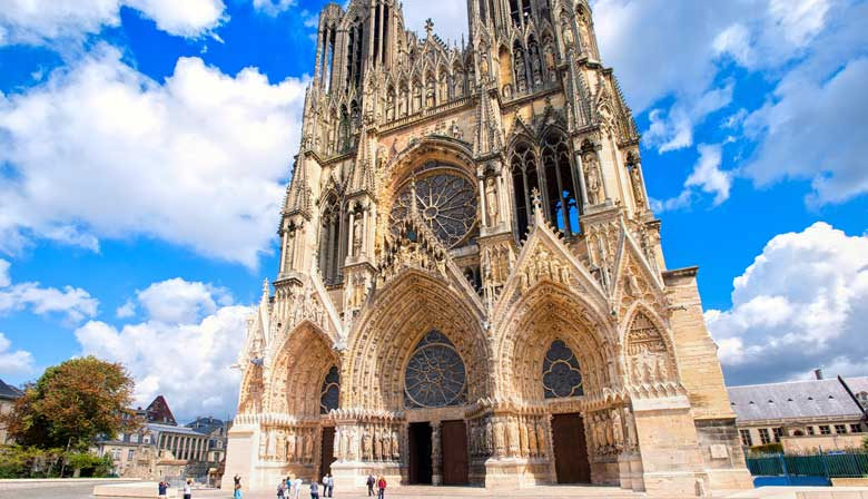 Visit the Reims Cathedral