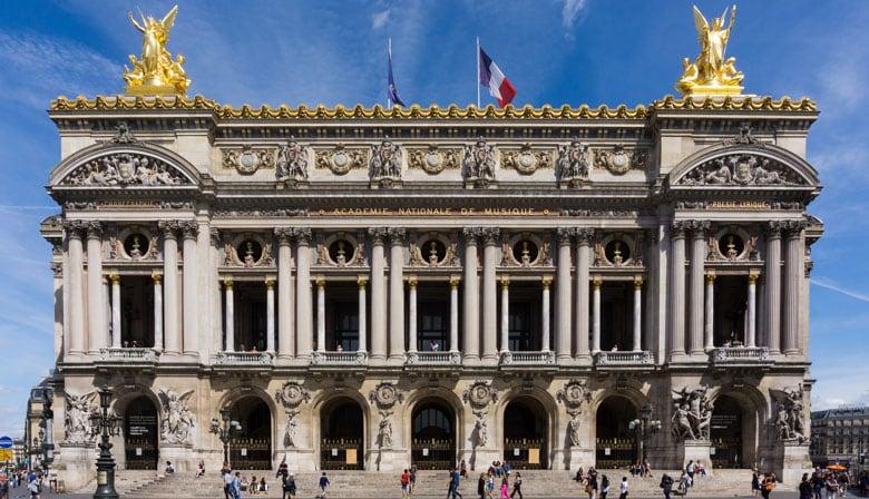 Discover the Opera Garnier