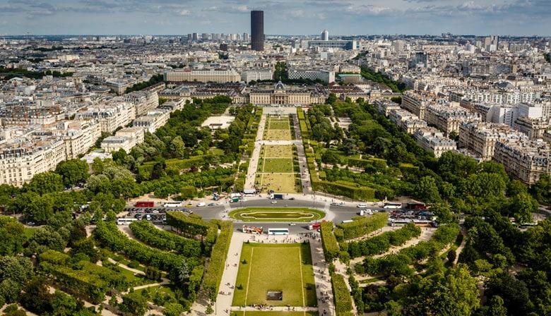 Vista sobre el Campo de Marte desde la Torre Eiffel