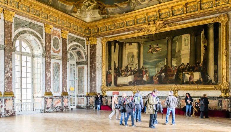 美しい宮殿を発見